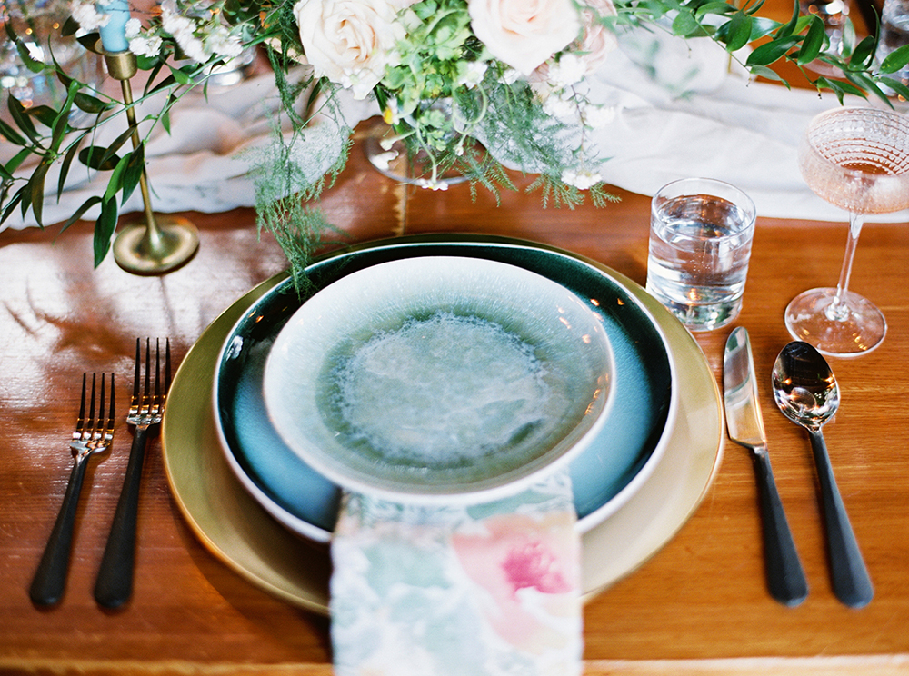 place settings - photo by Photos by Heart https://ruffledblog.com/downtown-birmingham-spring-wedding-inspiration