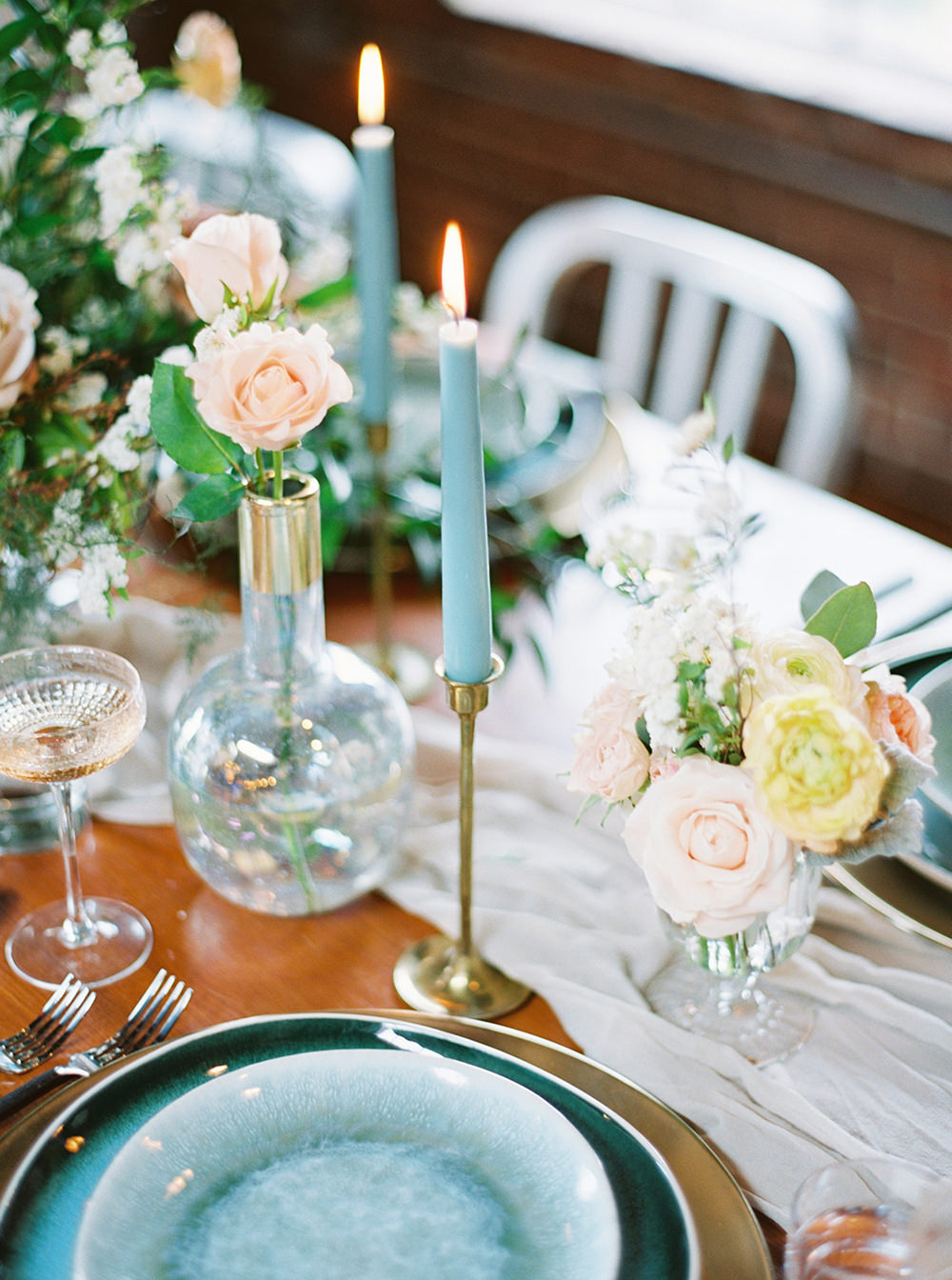 wedding tablescapes - photo by Photos by Heart https://ruffledblog.com/downtown-birmingham-spring-wedding-inspiration