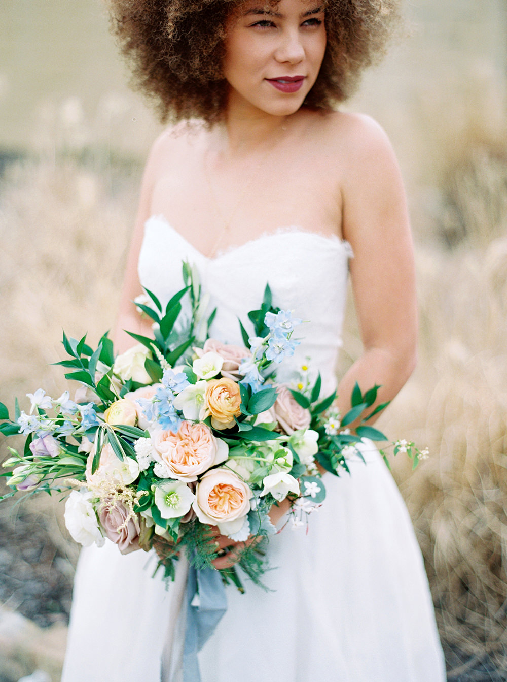 lush bridal bouquets - photo by Photos by Heart https://ruffledblog.com/downtown-birmingham-spring-wedding-inspiration