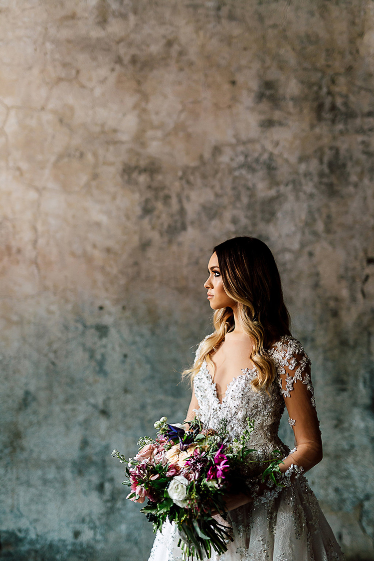 glam bridal inspiration - photo by Purple Tree Photography http://ruffledblog.com/dramatic-moody-wedding-inspiration-for-the-modern-bride