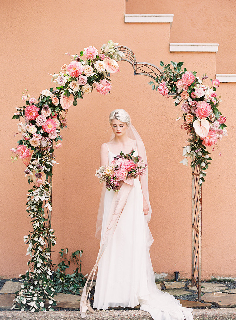 Dreamy Tuscan Inspired Wedding Ideas with Terracotta - photo by Kayla Barker Fine Art Photography http://ruffledblog.com/dreamy-tuscan-inspired-wedding-ideas-with-terracotta