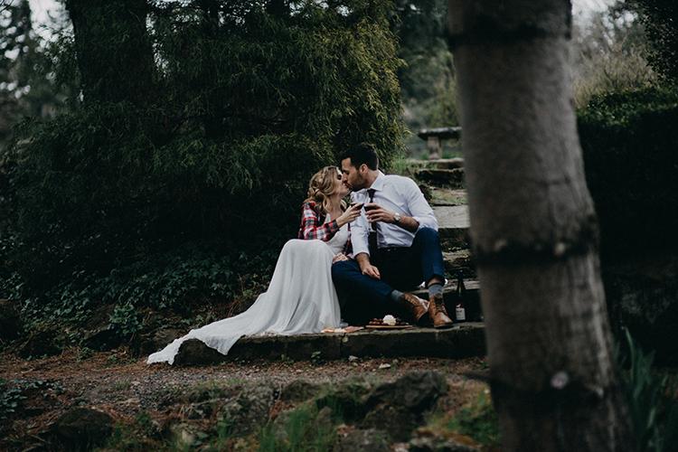 bride and groom - photo by Minerva House Photography http://ruffledblog.com/dreamy-waterfall-elopement-at-wahclella-falls