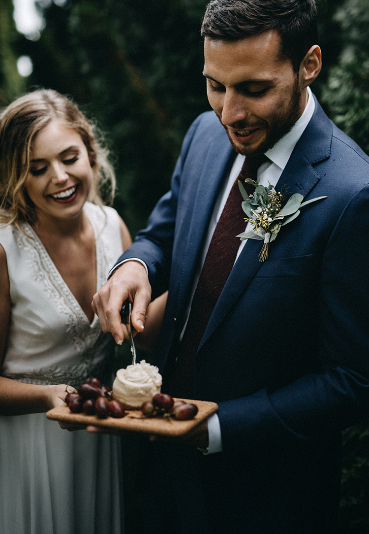 wedding desserts - photo by Minerva House Photography https://ruffledblog.com/dreamy-waterfall-elopement-at-wahclella-falls