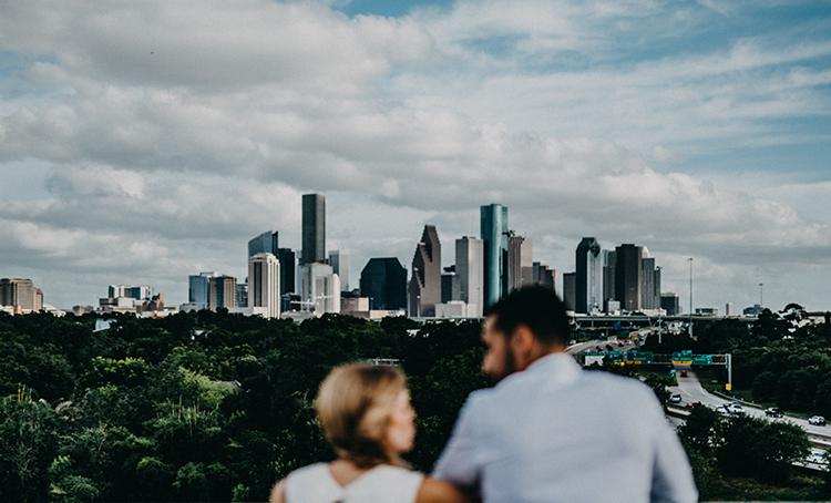 Houston weddings - photo by Minerva House Photography https://ruffledblog.com/dreamy-waterfall-elopement-at-wahclella-falls
