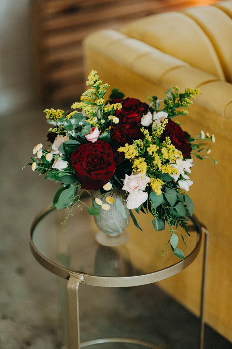 fall wedding centerpieces - photo by Minerva House Photography https://ruffledblog.com/dreamy-waterfall-elopement-at-wahclella-falls