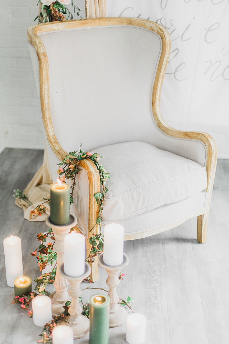 Throw a Cozy Winter Wedding in Dusty Gray and Warm Wood Tones #winterwedding #dustygray https://ruffledblog.com/cozy-winter-wedding-dusty-gray/