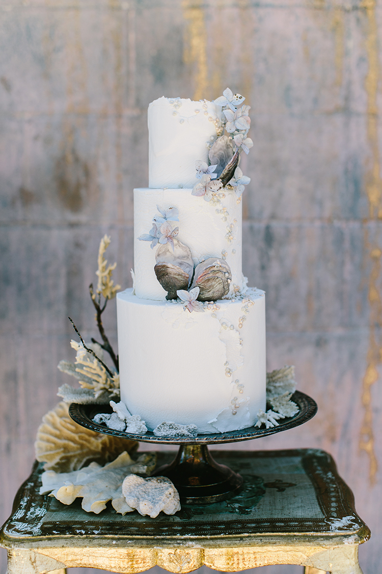 wedding cakes with shell details