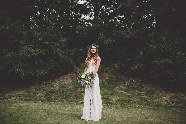 bohemian bridal looks - photo by Gina and Ryan Photography https://ruffledblog.com/eclectic-bohemian-wedding-at-calamigos-ranch