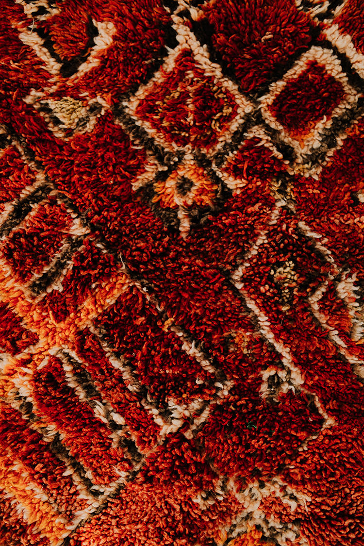 vintage boho rugs - photo by Chelsea Seekell Photography https://ruffledblog.com/eclectic-boho-desert-bridal-inspiration