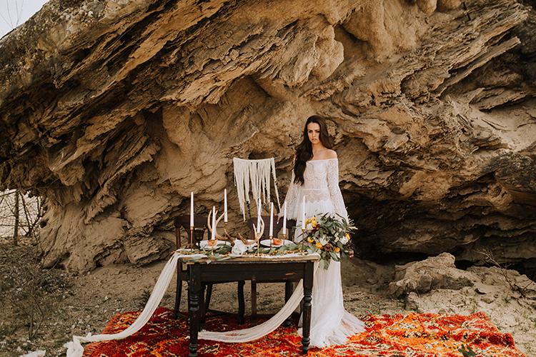 wedding tables - photo by Chelsea Seekell Photography https://ruffledblog.com/eclectic-boho-desert-bridal-inspiration