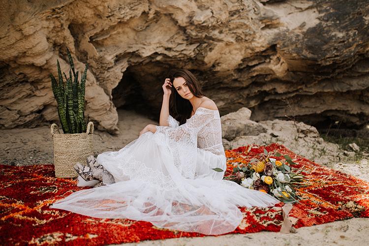 bohemian bridal wedding inspiration - photo by Chelsea Seekell Photography https://ruffledblog.com/eclectic-boho-desert-bridal-inspiration