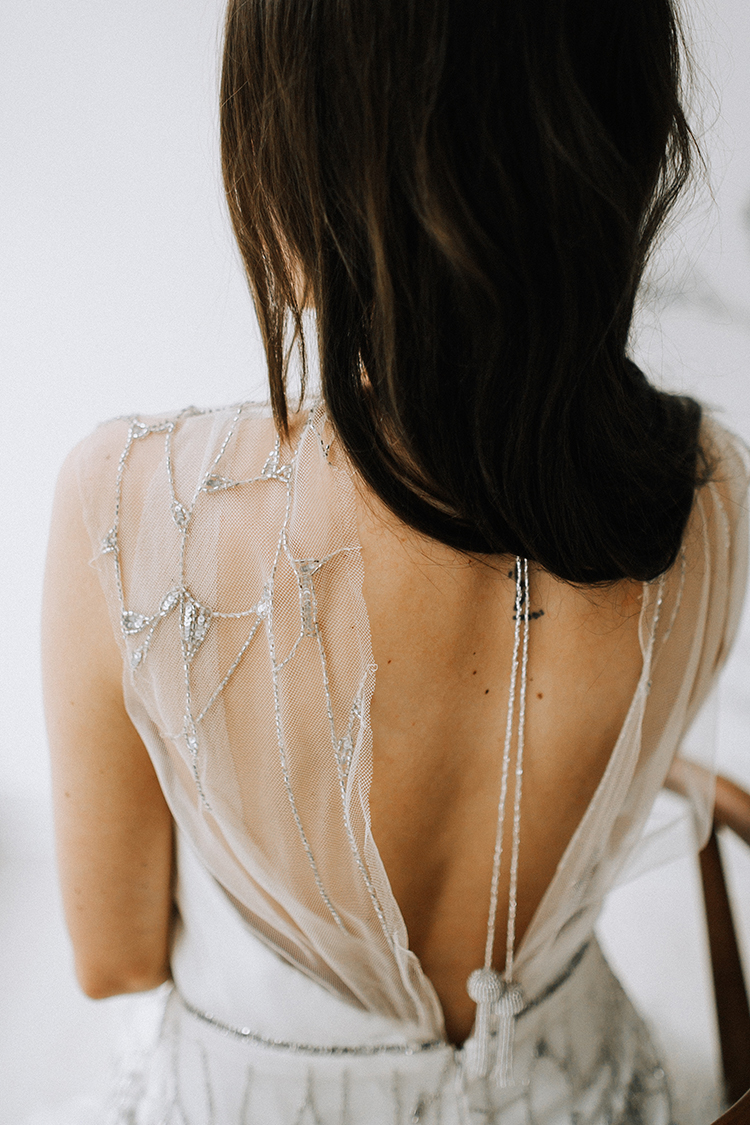romantic vintage inspired bridal accessories - photo by Chelsea Seekell Photography https://ruffledblog.com/eclectic-boho-desert-bridal-inspiration