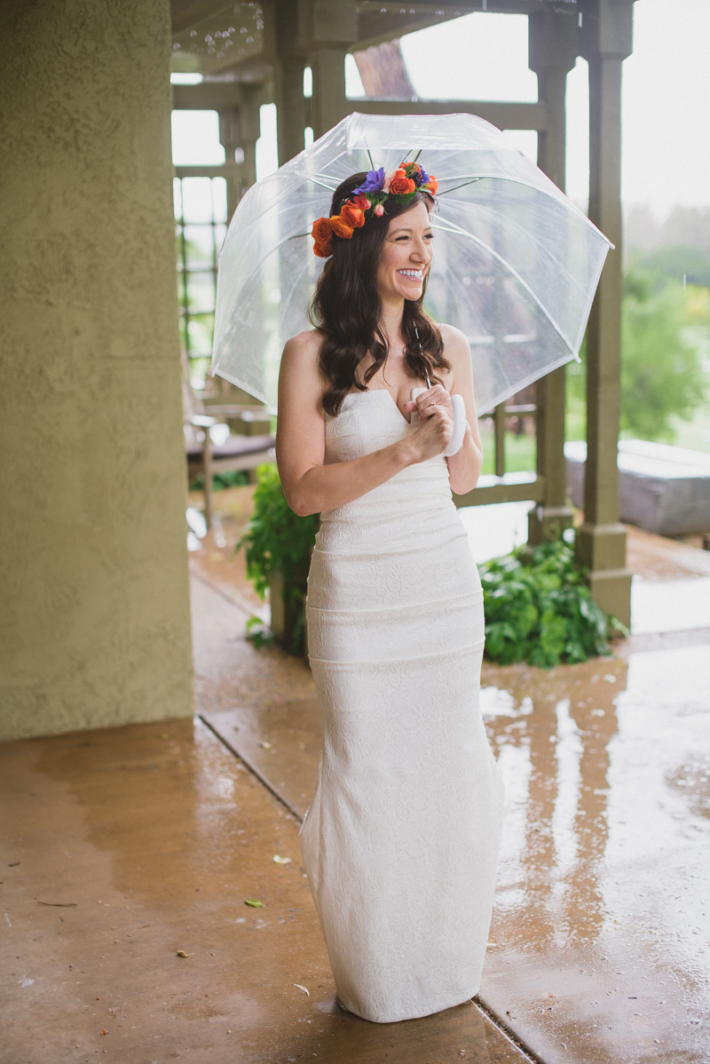 rainy day bridal looks - https://ruffledblog.com/eclectic-rainy-day-wedding-with-moroccan-accents