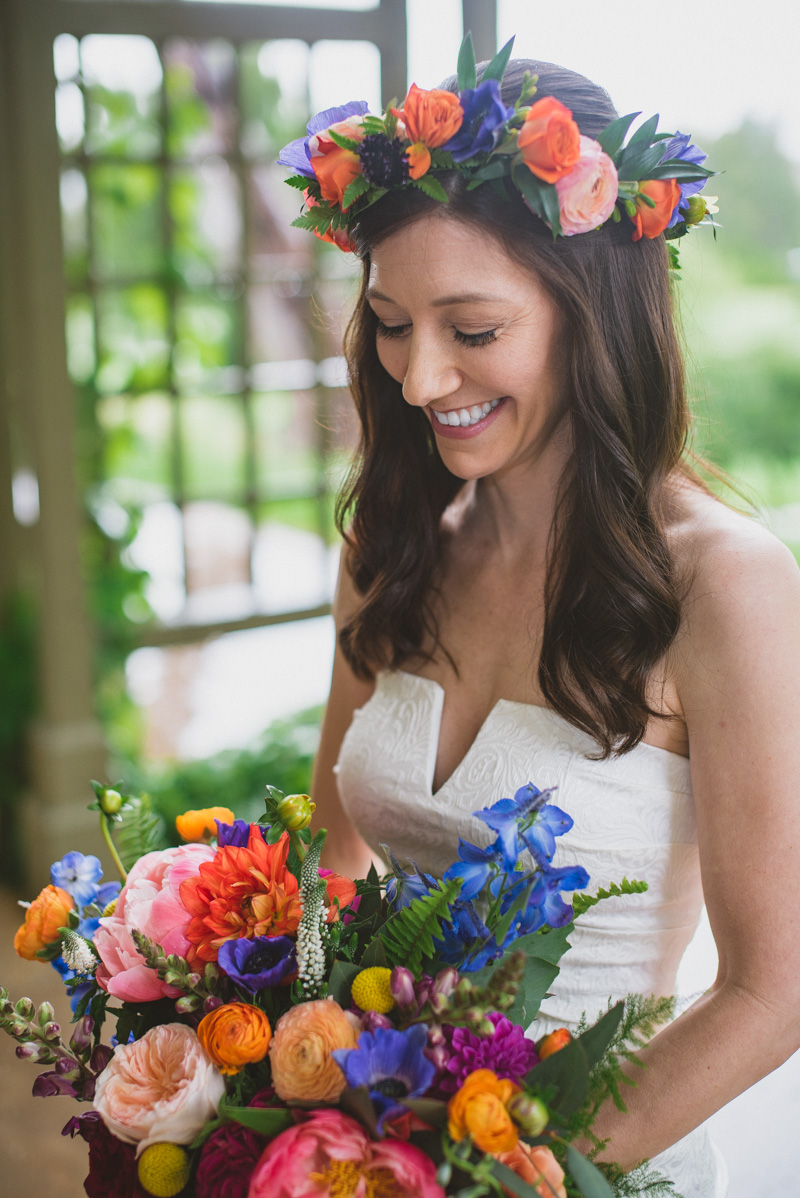 boho bridal looks with bright flowers - https://ruffledblog.com/eclectic-rainy-day-wedding-with-moroccan-accents