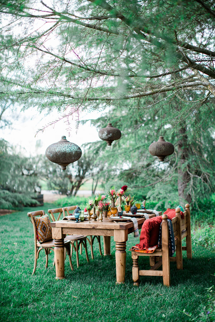 Eclectic Wedding Ideas Inspired by Wanderlust - photo by Elisabeth Arin Photography https://ruffledblog.com/eclectic-wedding-ideas-inspired-by-wanderlust