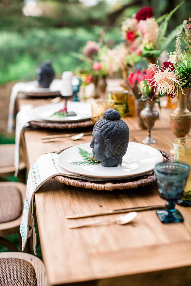 travel inspired wedding ideas - photo by Elisabeth Arin Photography http://ruffledblog.com/eclectic-wedding-ideas-inspired-by-wanderlust