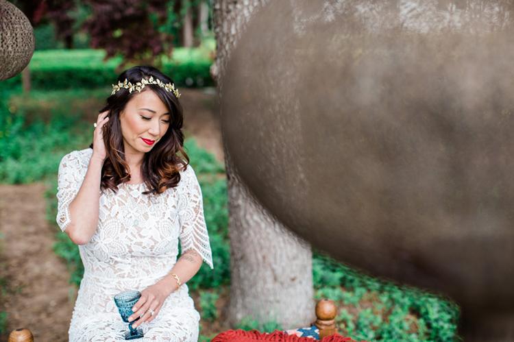 bridal inspiration - photo by Elisabeth Arin Photography http://ruffledblog.com/eclectic-wedding-ideas-inspired-by-wanderlust