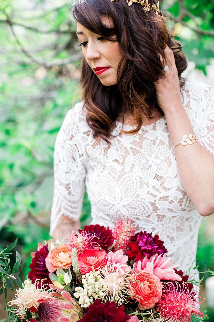 bridal makeup - photo by Elisabeth Arin Photography http://ruffledblog.com/eclectic-wedding-ideas-inspired-by-wanderlust