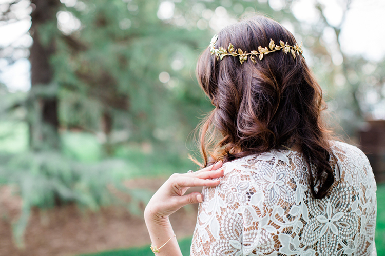 bridal hair inspiration - photo by Elisabeth Arin Photography http://ruffledblog.com/eclectic-wedding-ideas-inspired-by-wanderlust