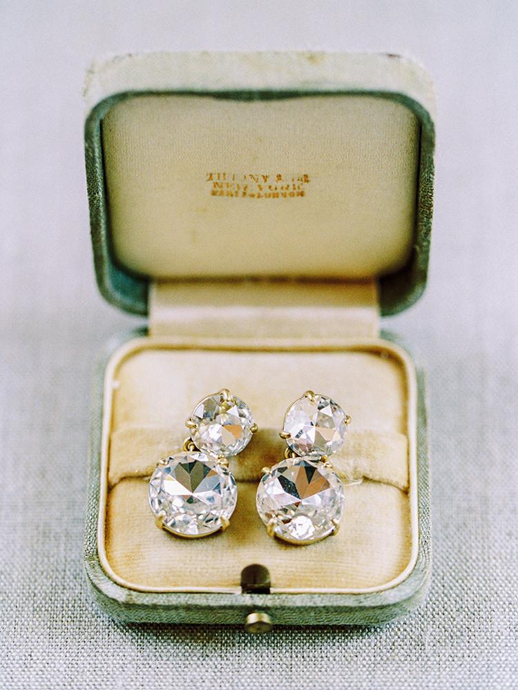 glam bridal jewelry - photo by Love by Serena https://ruffledblog.com/elegant-annapolis-wedding-with-romantic-greenery