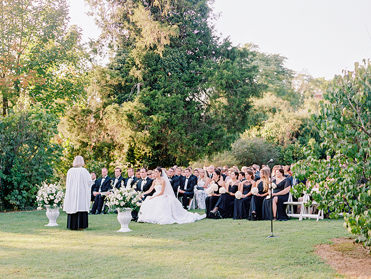 wedding ceremonies - photo by Love by Serena http://ruffledblog.com/elegant-annapolis-wedding-with-romantic-greenery