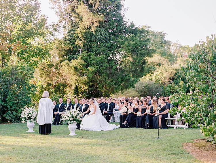 wedding ceremonies - photo by Love by Serena https://ruffledblog.com/elegant-annapolis-wedding-with-romantic-greenery