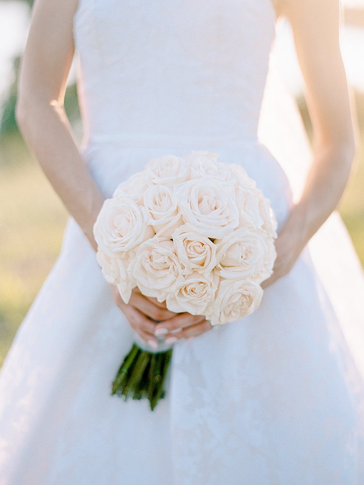 ivory rose wedding bouquets - photo by Love by Serena http://ruffledblog.com/elegant-annapolis-wedding-with-romantic-greenery