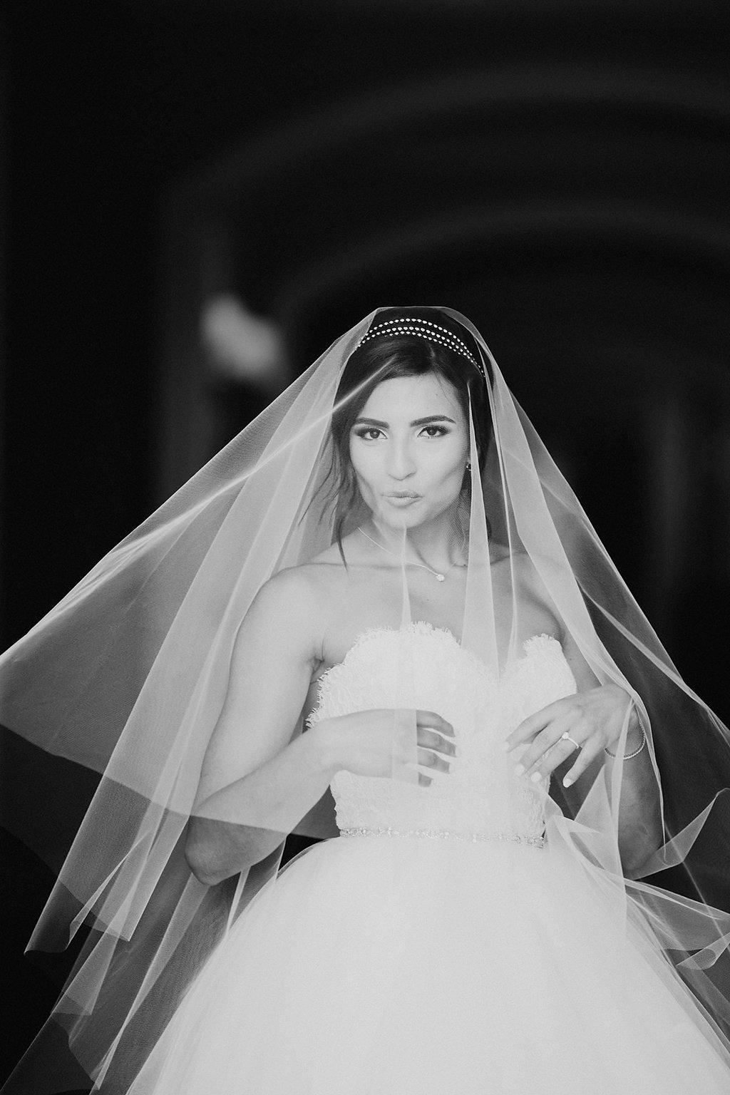 bridal veils - photo by Melia Lucida https://ruffledblog.com/elegant-canadian-wedding-with-greenery