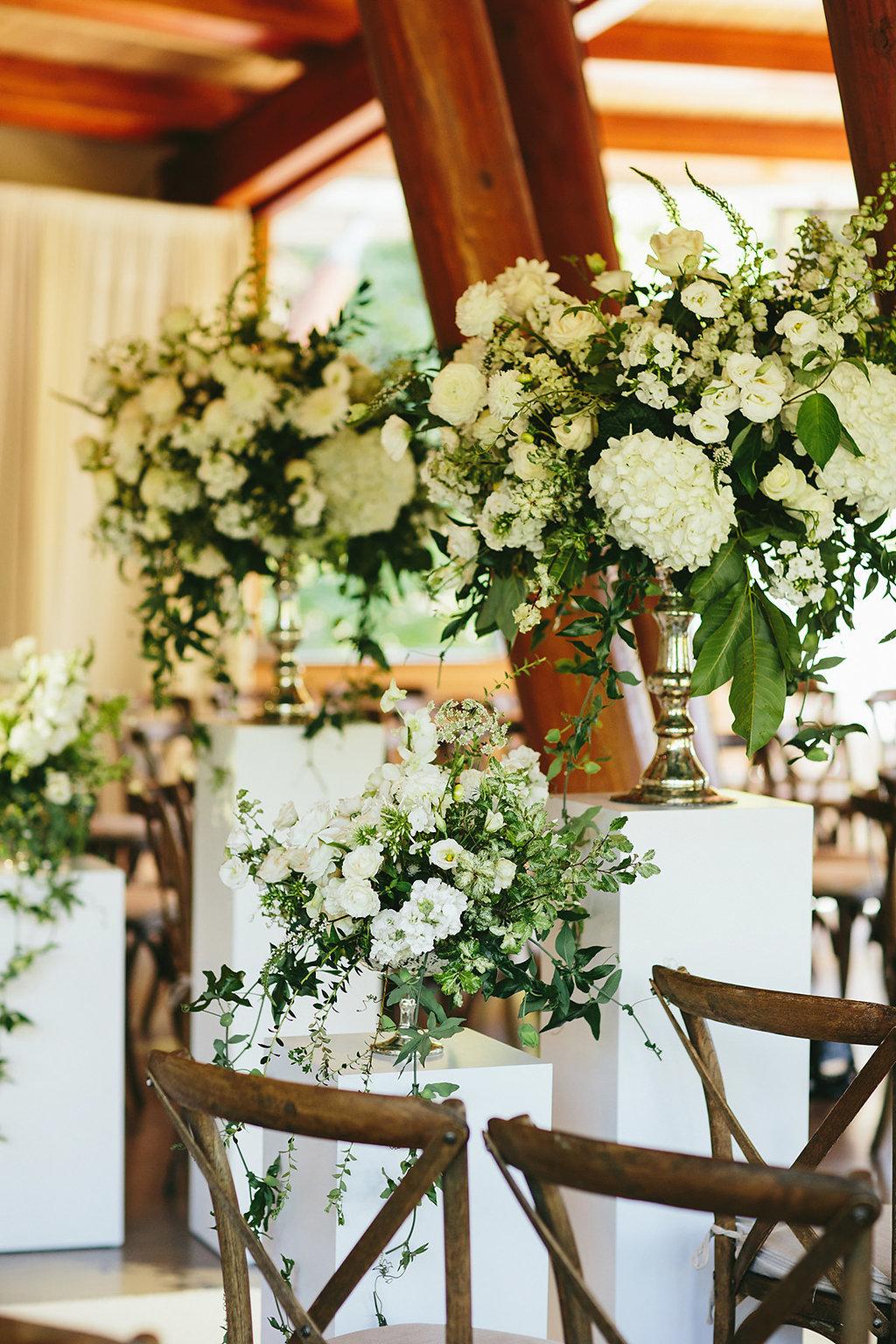 floral inspiration - photo by Melia Lucida http://ruffledblog.com/elegant-canadian-wedding-with-greenery