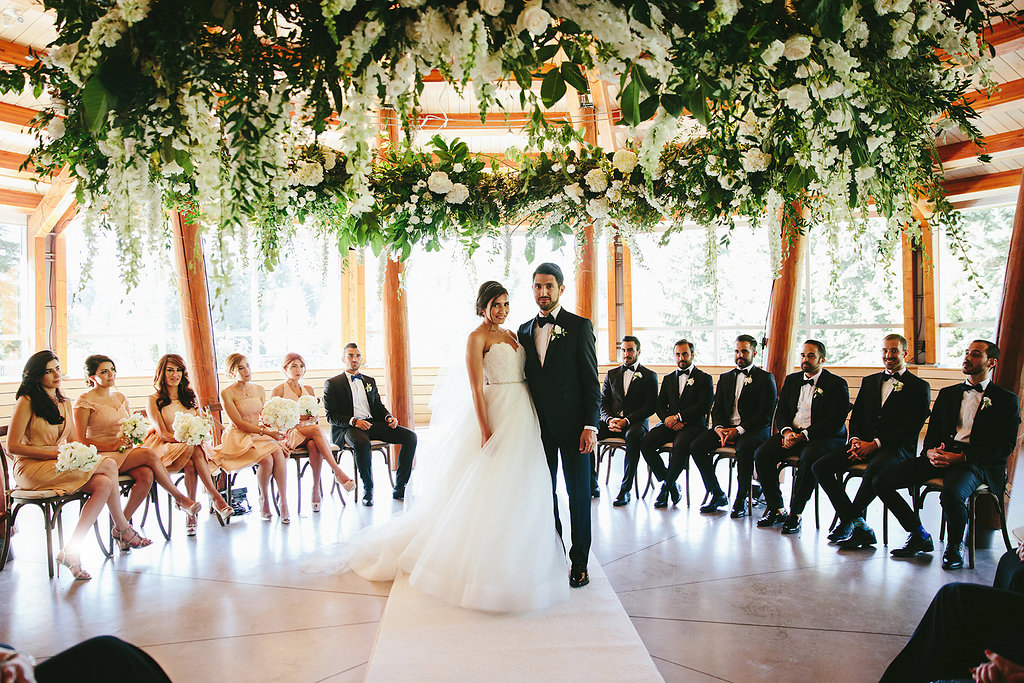 wedding ceremonies - photo by Melia Lucida https://ruffledblog.com/elegant-canadian-wedding-with-greenery