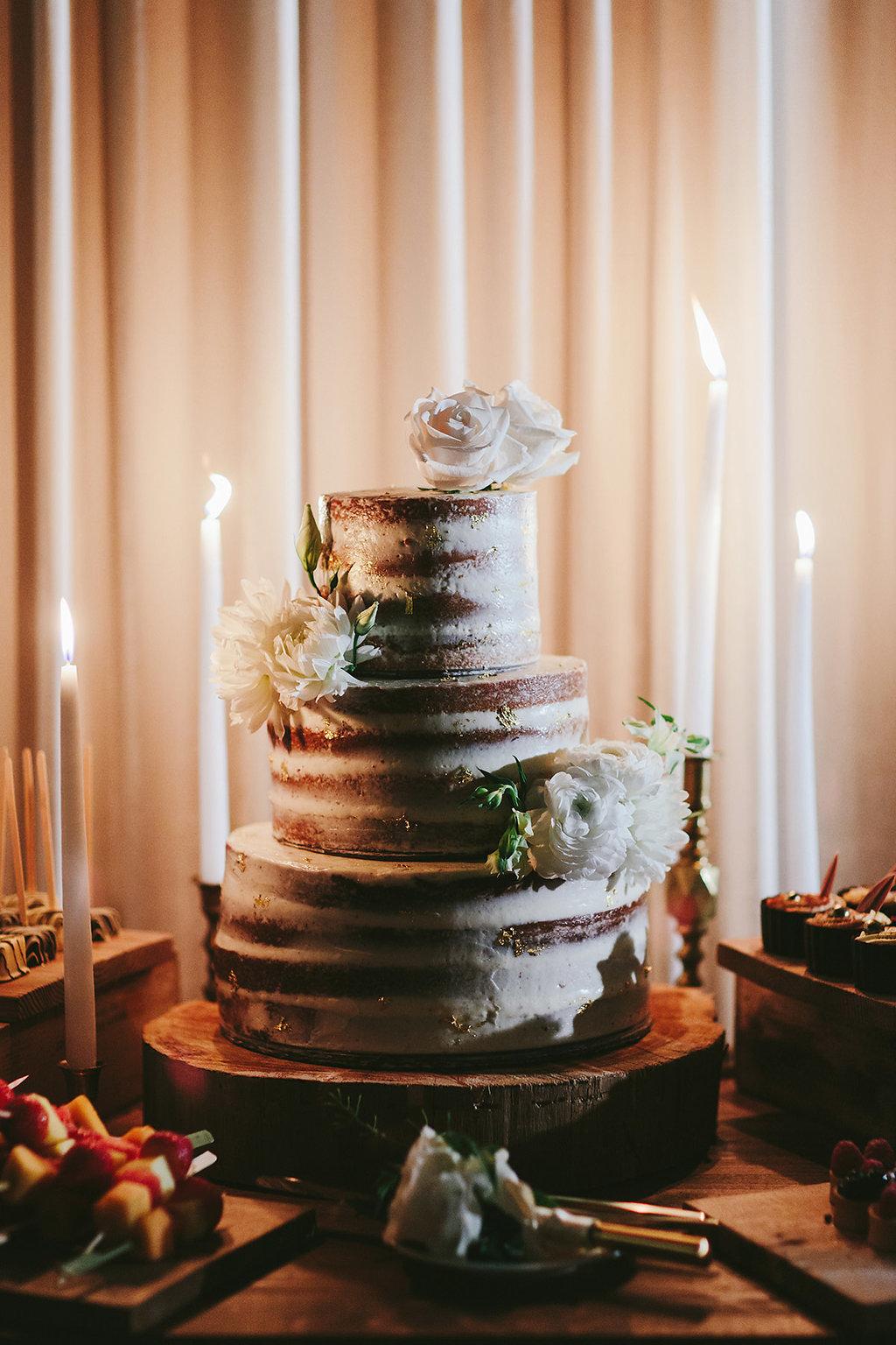 wedding cakes - photo by Melia Lucida https://ruffledblog.com/elegant-canadian-wedding-with-greenery