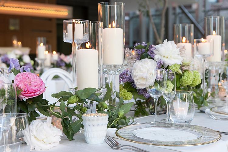 wedding tablescapes - photo by 5ive 5ifteen https://ruffledblog.com/elegant-garden-inspired-toronto-wedding
