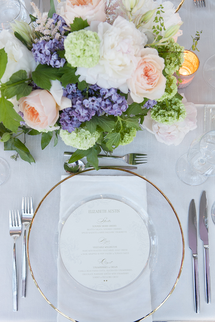 place settings - photo by 5ive 5ifteen http://ruffledblog.com/elegant-garden-inspired-toronto-wedding