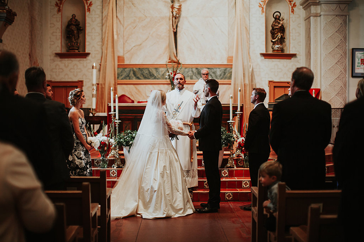 wedding ceremonies - photo by Alexandra Wallace https://ruffledblog.com/elegant-san-luis-obispo-garden-party-wedding