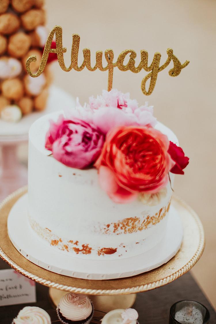 wedding cakes - photo by Alexandra Wallace https://ruffledblog.com/elegant-san-luis-obispo-garden-party-wedding