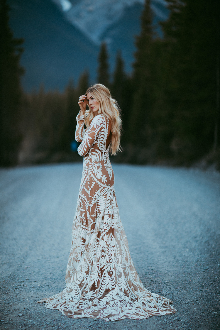 bohemian bridal inspiration - photo by Tricia Victoria Photography http://ruffledblog.com/elopement-inspiration-with-a-show-stopping-boho-lace-gown
