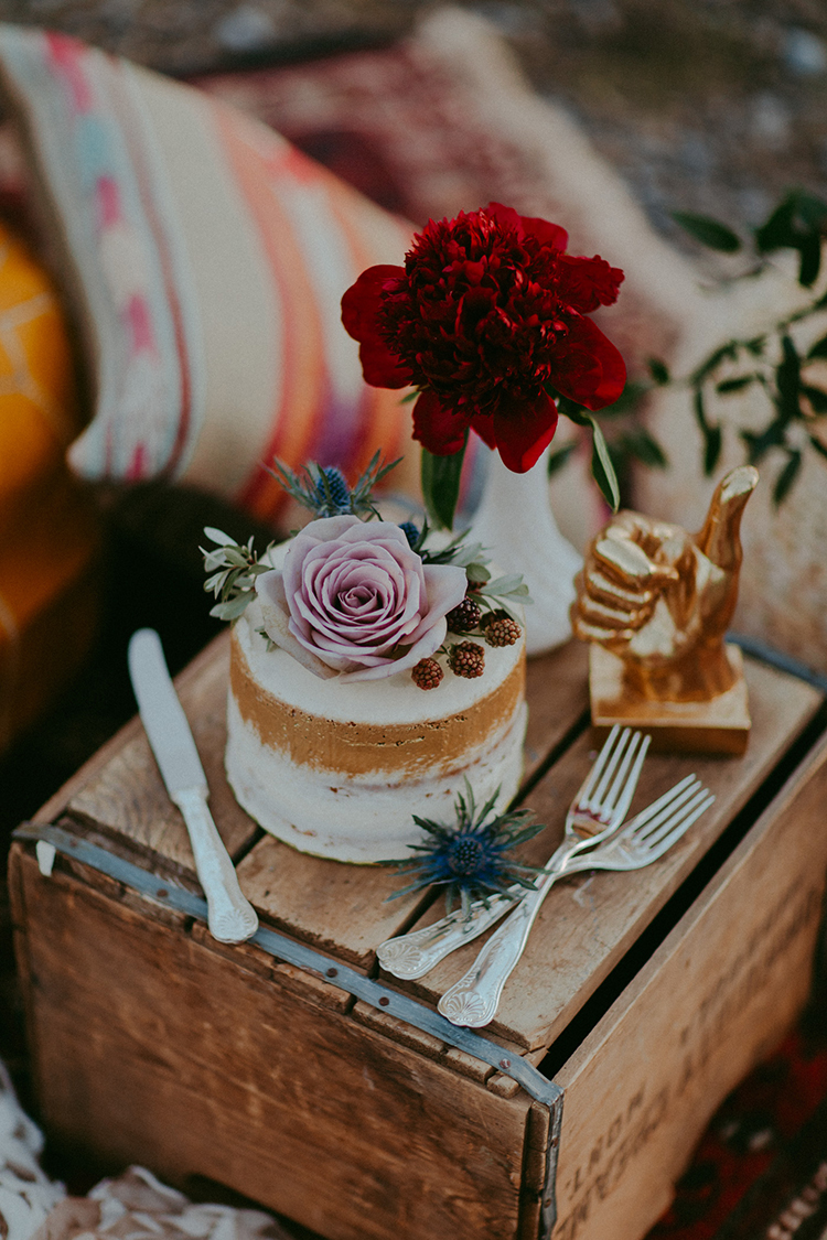 elopement wedding cakes - photo by Tricia Victoria Photography http://ruffledblog.com/elopement-inspiration-with-a-show-stopping-boho-lace-gown
