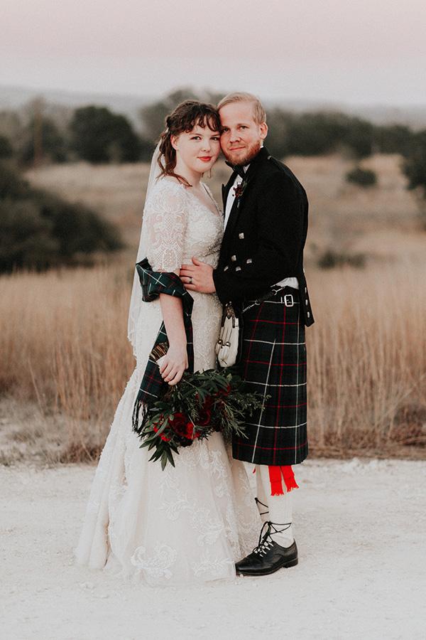 He Gave Her The Tartan of His Scottish Clan On Their Wedding Day #weddingtraditions #realweddingmoments #texasweddingvenues