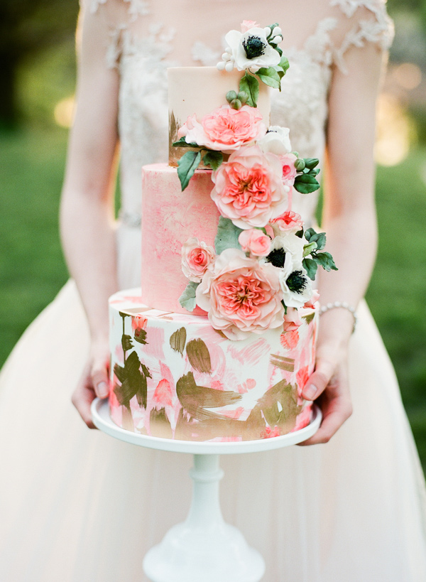 romantic wedding cake - photo by Vasia Photography https://ruffledblog.com/english-rose-flower-crown-inspiration