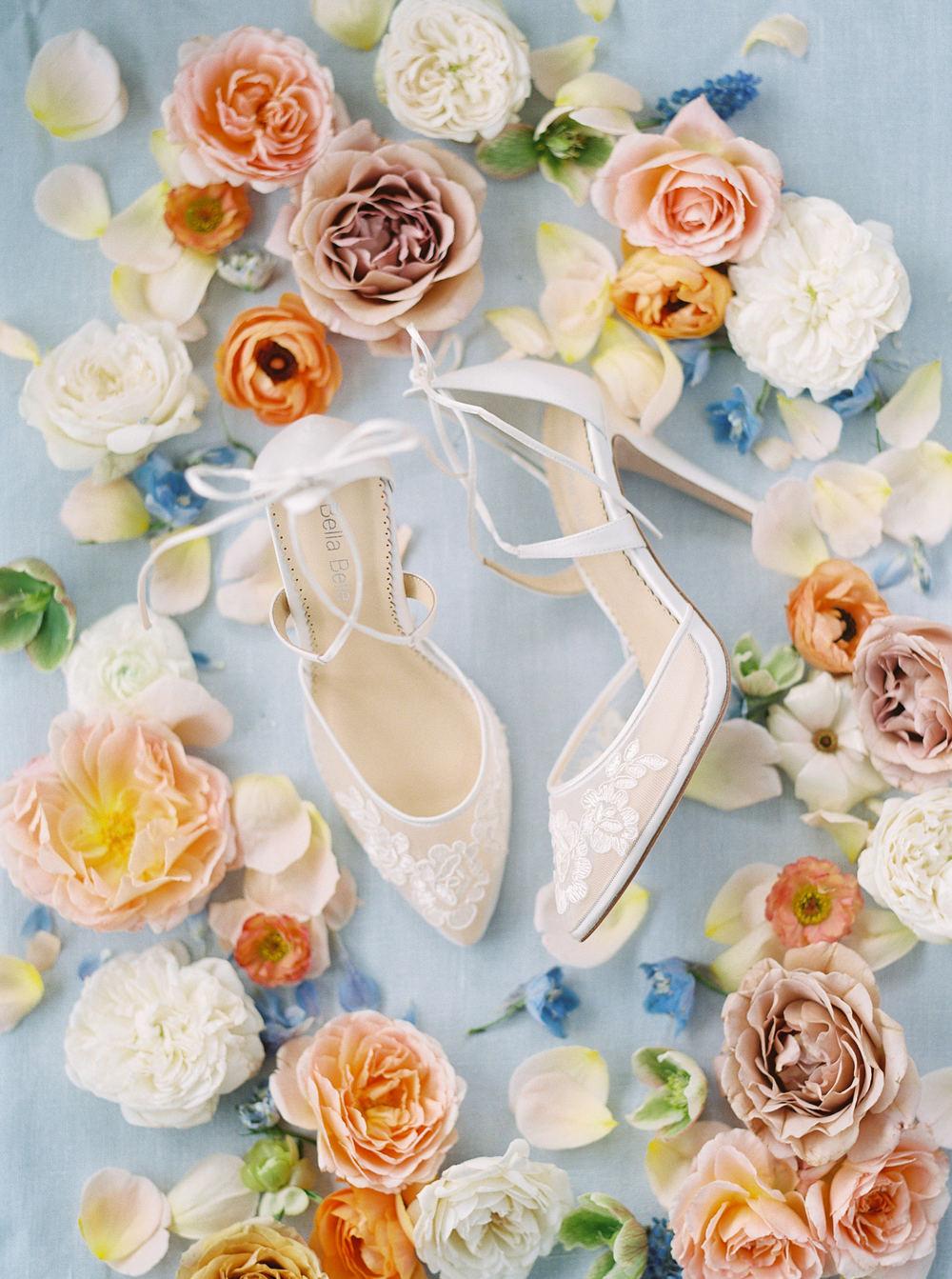 English Rose Garden Wedding Inspo 01