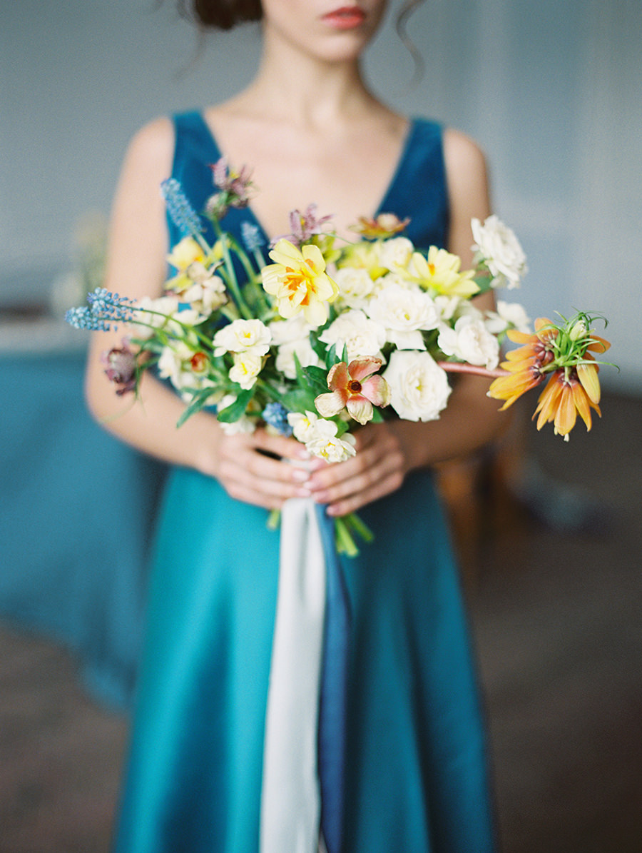 wedding bouquets with pastel citrus tones - photo by Igor Kovchegin Photography https://ruffledblog.com/ethereal-wedding-inspiration-with-teal-and-marigold