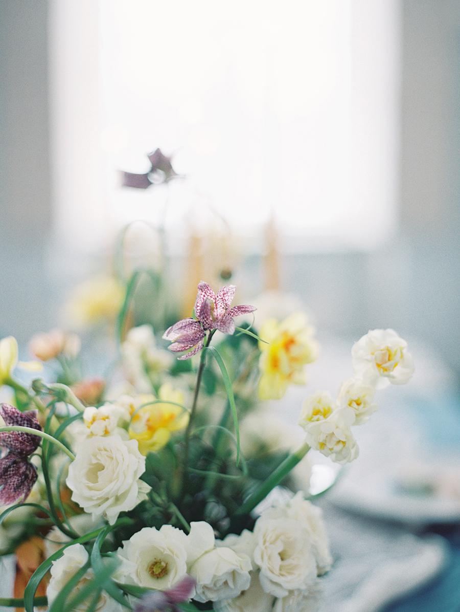 simple wedding flowers - photo by Igor Kovchegin Photography http://ruffledblog.com/ethereal-wedding-inspiration-with-teal-and-marigold