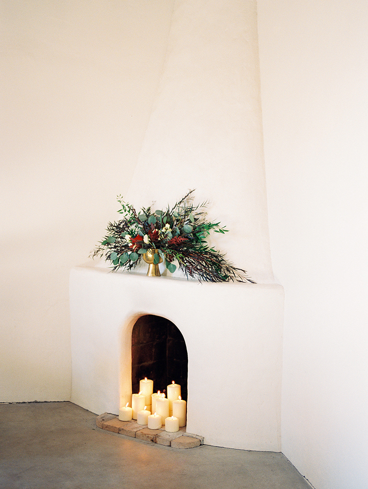 romantic organic wedding ideas - https://ruffledblog.com/fall-desert-elopement-inspiration-with-burgundy-and-lavender