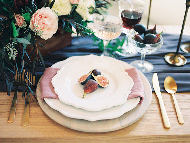 place settings with figs - https://ruffledblog.com/fall-desert-elopement-inspiration-with-burgundy-and-lavender