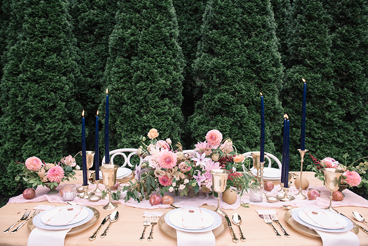 romantic pink tablescapes for fall - http://ruffledblog.com/fall-wedding-inspiration-with-mauve-and-apricot-hues