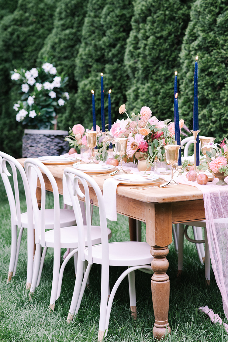 romantic fall garden wedding inspiration - http://ruffledblog.com/fall-wedding-inspiration-with-mauve-and-apricot-hues