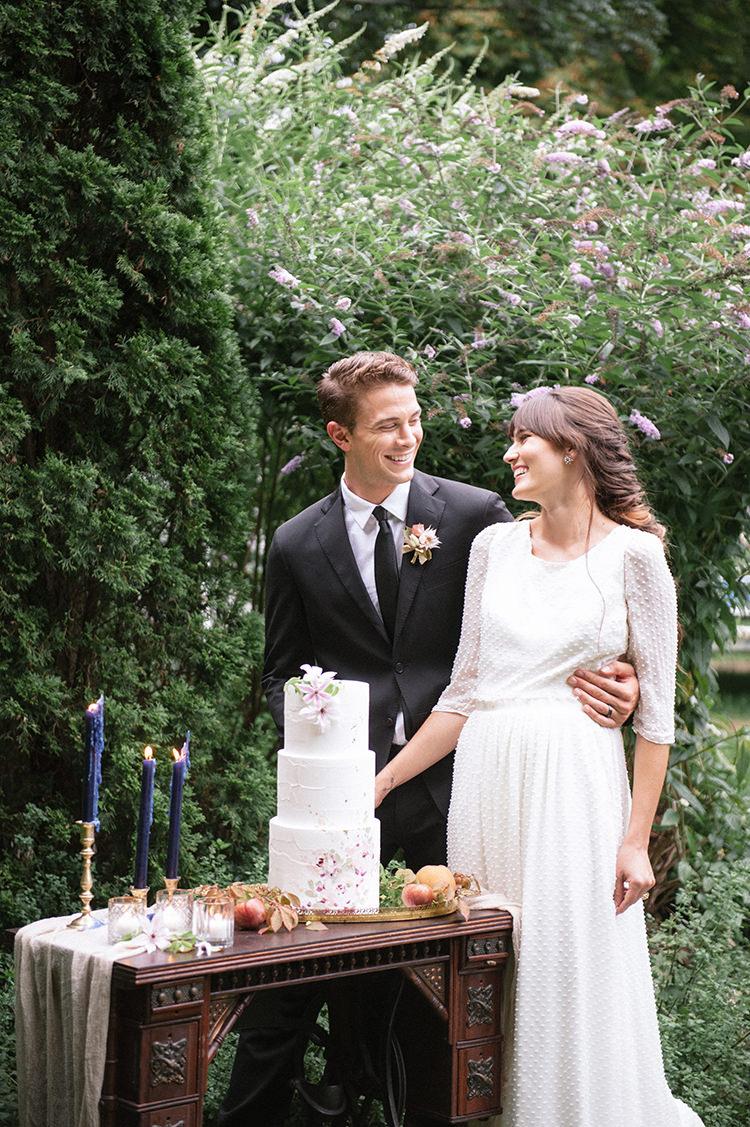 romantic and ethereal garden wedding inspiration - http://ruffledblog.com/fall-wedding-inspiration-with-mauve-and-apricot-hues