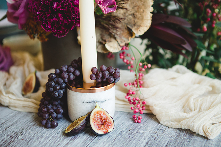 marble and copper wedding inspiration for fall - https://ruffledblog.com/fall-wedding-tablescape-with-an-unexpected-color-palette