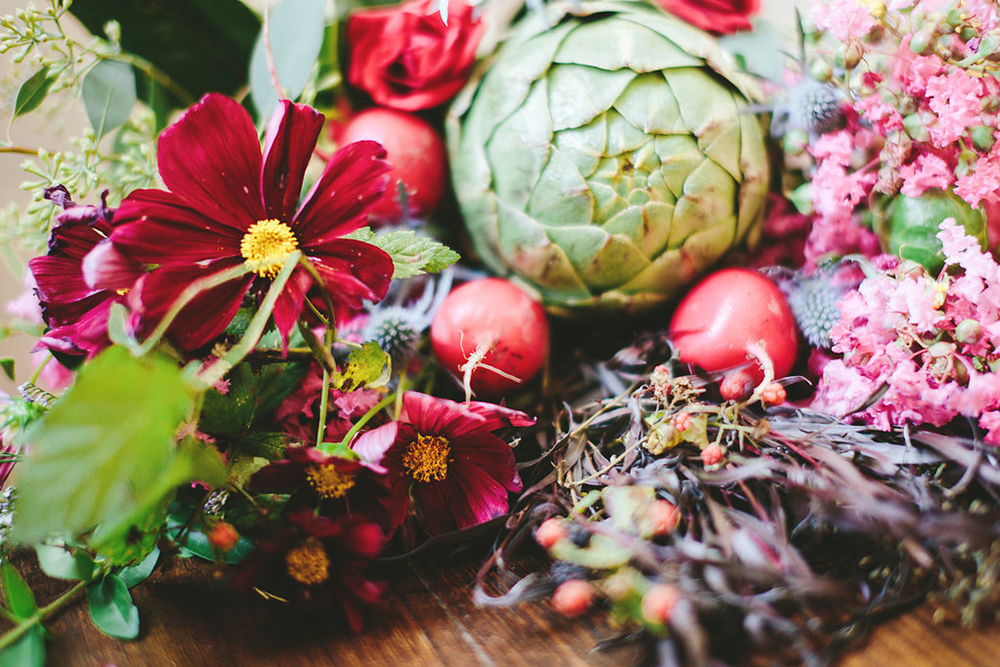 wedding flowers with vegetables - photo by Shots by Cheyenne http://ruffledblog.com/farm-to-table-wedding-inspiration-in-nashville