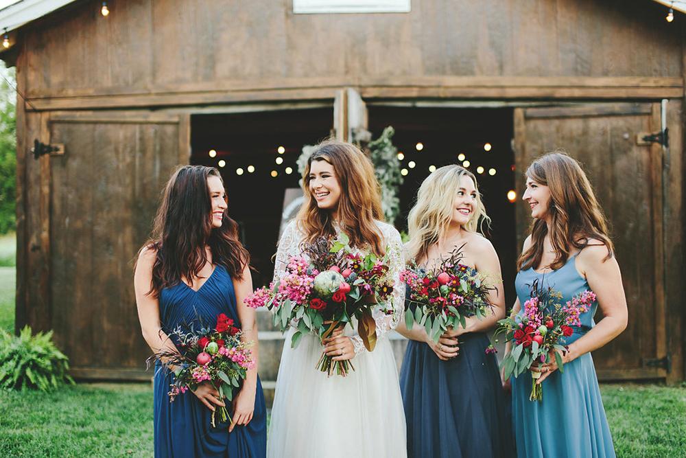 fuchsia wedding bouquets - photo by Shots by Cheyenne https://ruffledblog.com/farm-to-table-wedding-inspiration-in-nashville